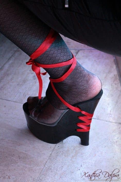 High Heels schwarz-rot