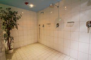 Dusche im Eingangsbereich